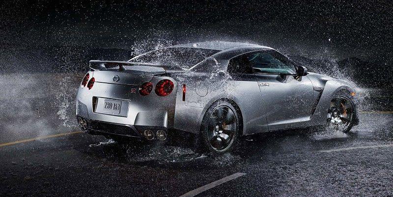 Como manejar un auto bajo la lluvia